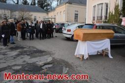 Voir notre vidéo de l'enterrement de la chirurgie conventionnelle à Montceau...