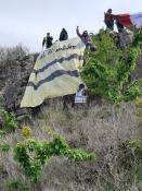 Suite de l'escalade de la roche de Solutré par les gilets jaunes (Social)