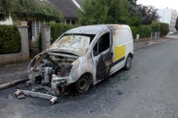 Réactualisé - Faits-divers : voiture et scooter brûlés rue Charles Péguy