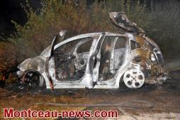 Faits divers - cette nuit : voiture volée contre poteau à Saint Romain-sous-Gourdon