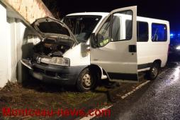 Faits divers - Boxer Peugeot contre pile de pont à Ciry-Rozelay...