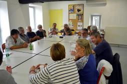 Récolte de miel à Pouilloux ( Nature - Environnement) - Voir la vidéo