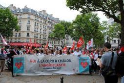 Manifestation à Paris devant le Ministère de la santé