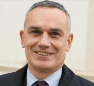 Arnaud Danjean tacle Emmanuel Macron