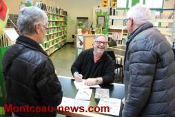 Il a offert ses deux romans à la bibliothèque de Saint-Vallier