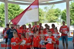 Les maillots rouge et blanc défilent en ville (Montceau)