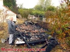 Un garage a brûlé cette nuit rue des Bains ( Montceau)