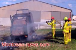 Faits divers : feu d'engin agricole à Pouilloux...