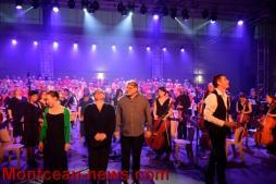 400 Choristes, une centaine de musiciens au Gymnase Jean Bouveri (Montceau-les-Mines)