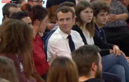 La vidéo du grand débat du président Macron avec...