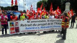 """Manifestation contre la loi """"travail"""" à Mâcon..."""