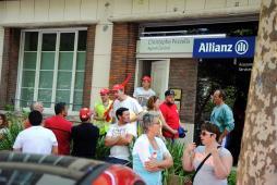 Solidarité avec les salariés de la SFAR (Social)