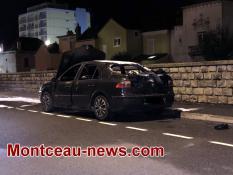 Voiture incendiée ce samedi soir à Montceau
