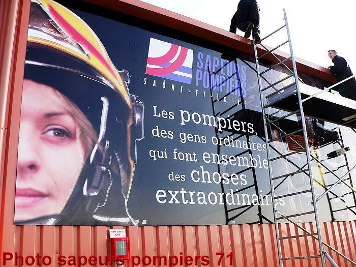 <b>...</b> chef de centre, secondé par l'adjudant chef Jean-<b>Michel Emorine</b>, <b>...</b> - FRESQUE-POMPIERS-19-01-20124