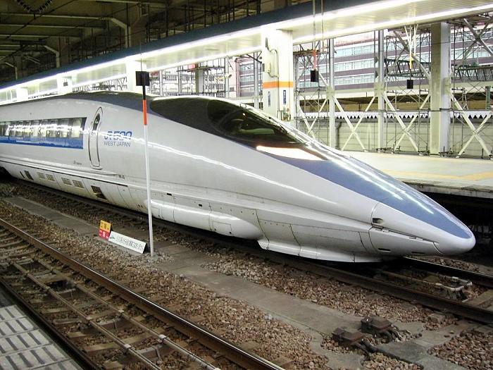 TRAIN 18 04 15
