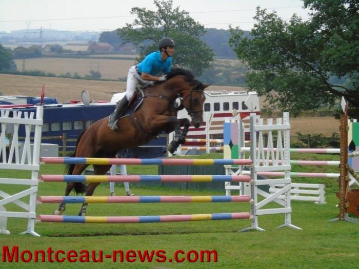 saut obstacles 09081534