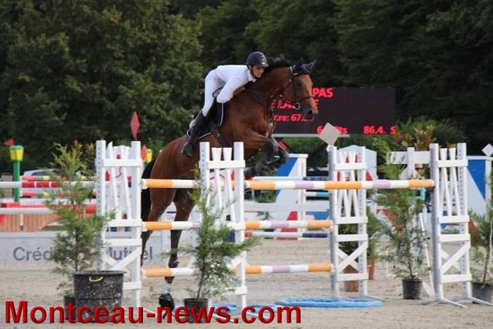 saut obstacles 09081536