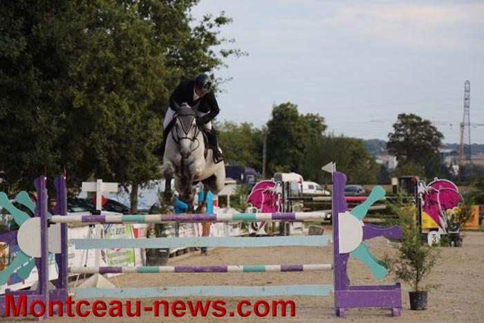 saut obstacles 09081539