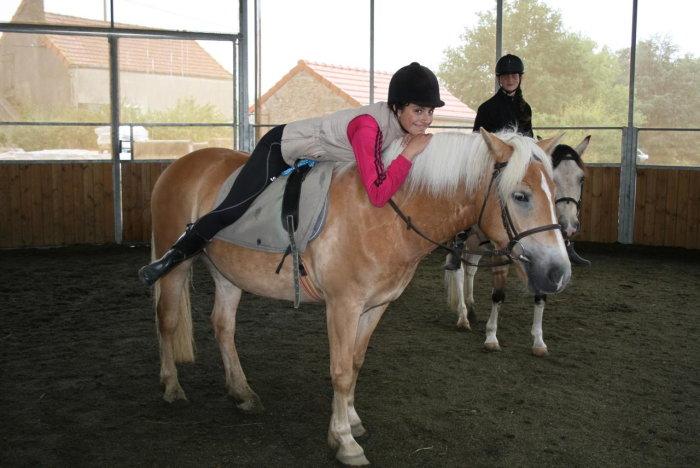 poney st eusebe 1909152