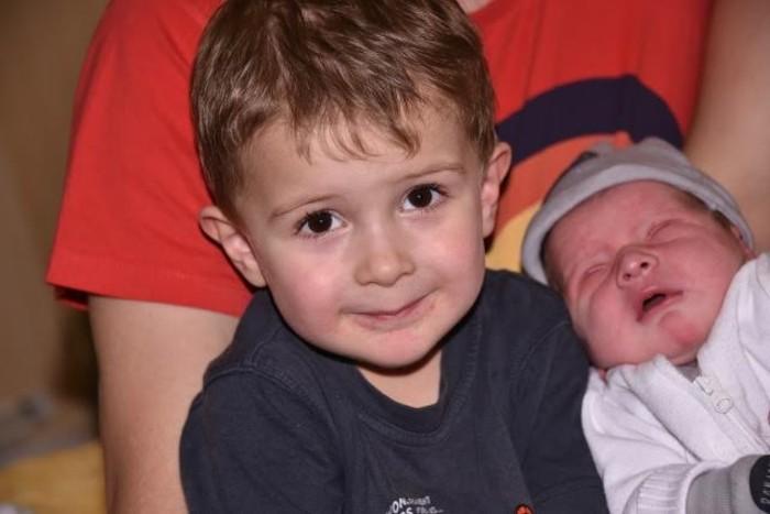 bebe tom 2011154