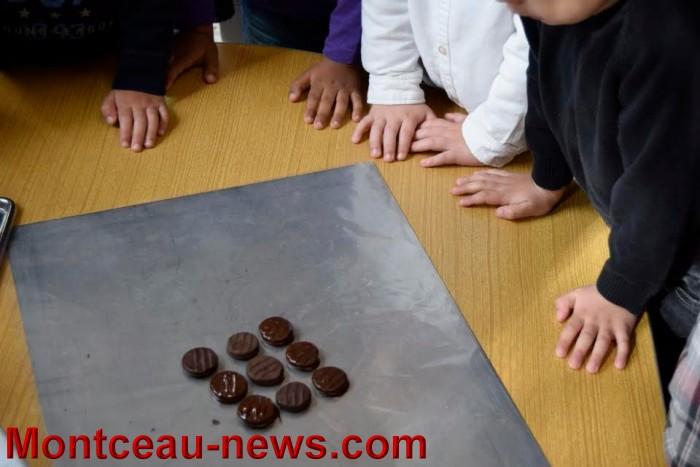 ecole chocolat 26041616