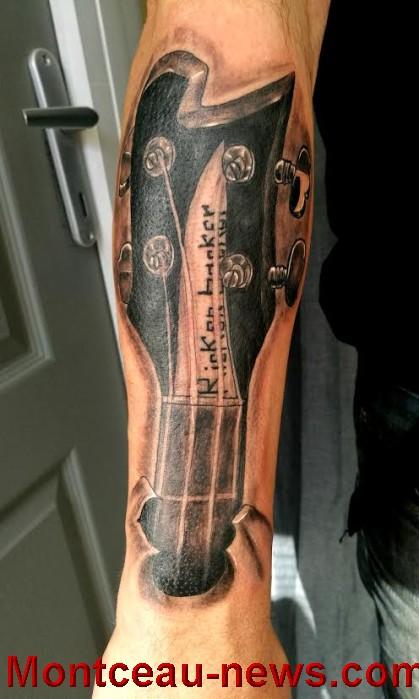 tatoueur 19081610