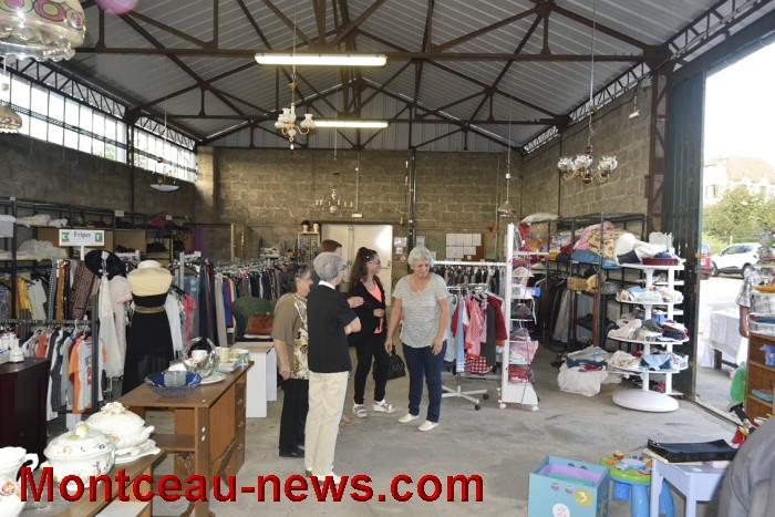 Enfin… inauguration magasin provisoire Emmaüs (Montceau)