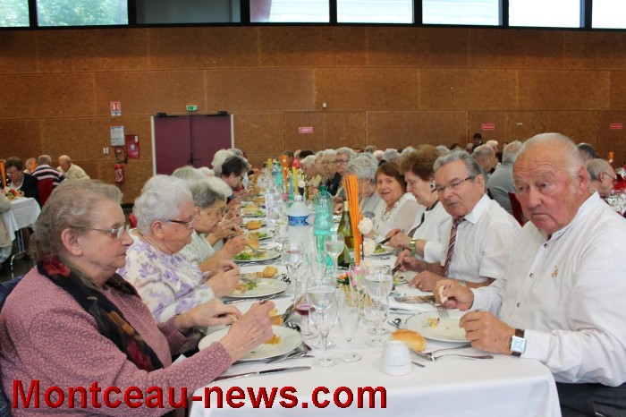 repas-anciens-st-val-19091611