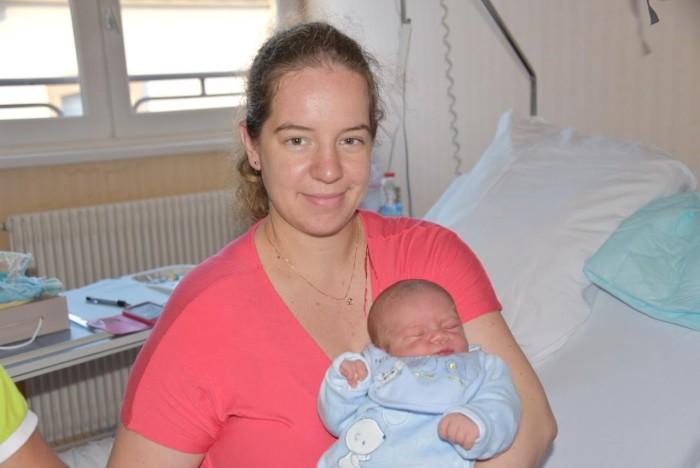 bebe-elio-0310164