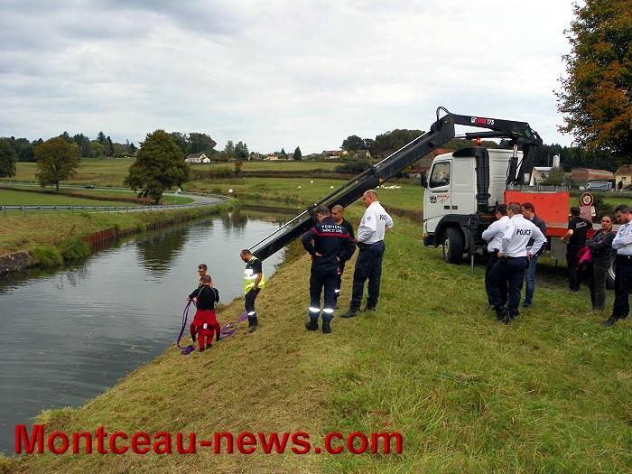 Réactualisé à 17 h – Voiture sans permis dans le canal à Saint-Vallier…