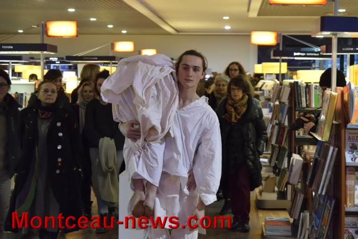 Espace culturel Leclerc :  Exposition photos et performance dansée (Montceau)