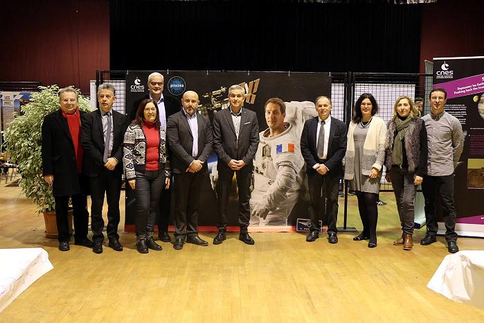 Liaison avec l'astronaute français : Thomas Pesquet…