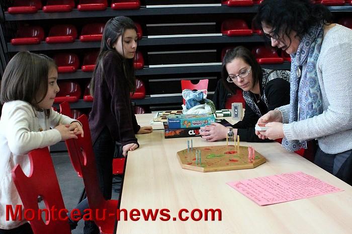 Au Foyer des jeunes et d'éducation permanente à Saint-Vallier
