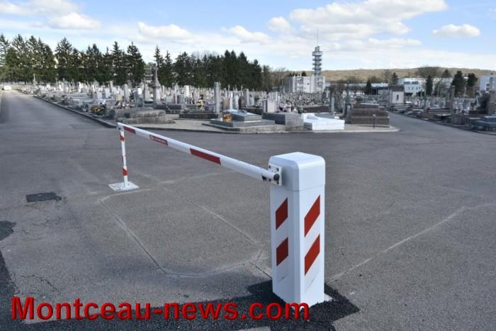 La sécurisation des cimetières: les barrières du Bois Roulot (Montceau-les-Mines)