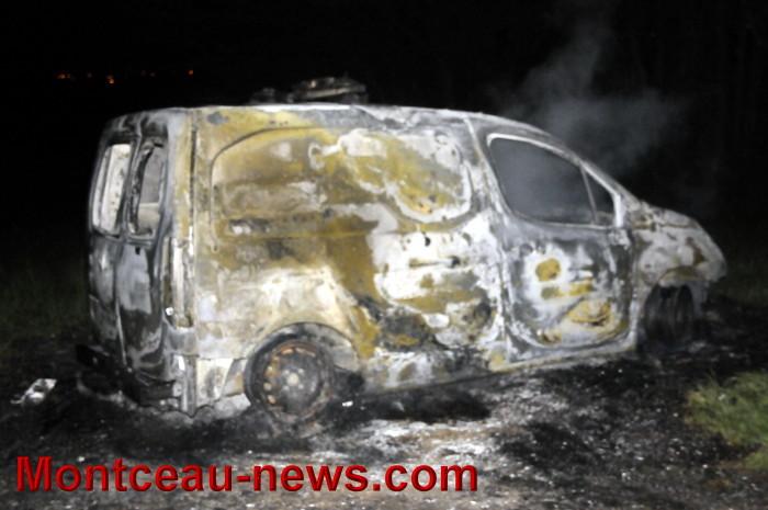 voiture feu 2004173
