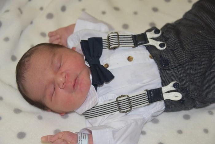 bebe tiago 2211177