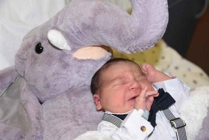 bebe tiago 2211178