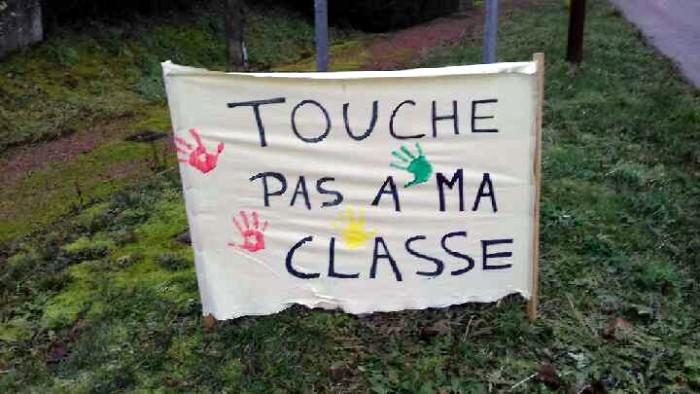 Classe menaceefermeture Genouily 71 050219