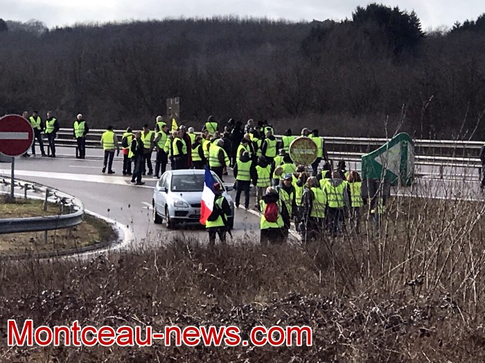 Journee action gilets jaunes Magny 02031915
