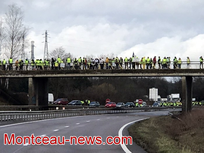 Journee action gilets jaunes Magny 02031934