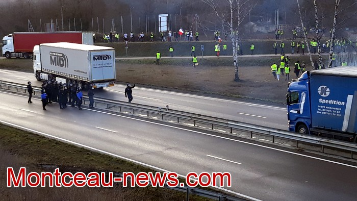 Journee action gilets jaunes Magny 02031949