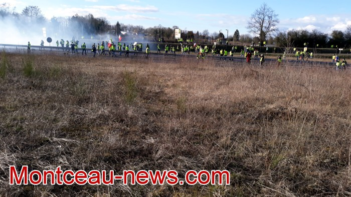 Journee action gilets jaunes Magny 02031953
