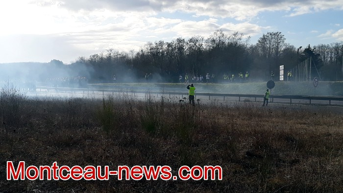 Journee action gilets jaunes Magny 02031954