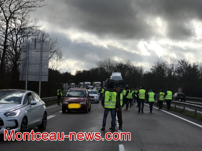 Journee action gilets jaunes Magny 02031955