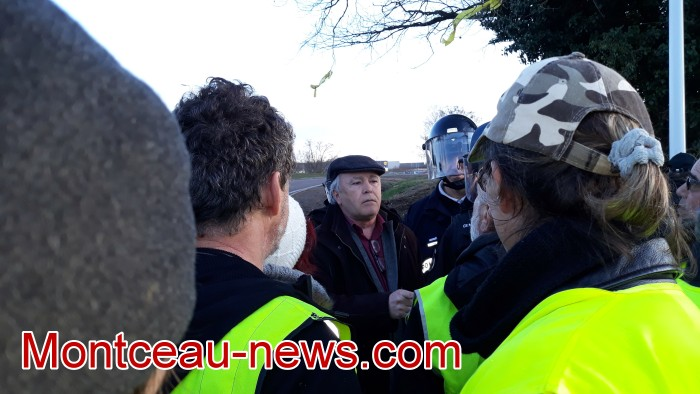 Journee action gilets jaunes Magny 02031963