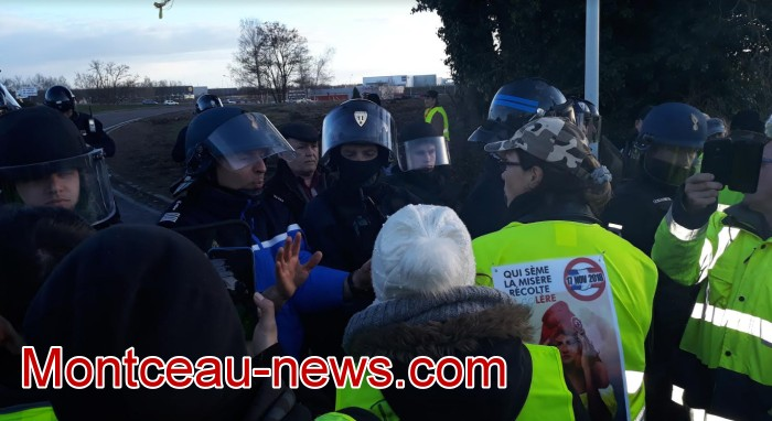 Journee action gilets jaunes Magny 02031965