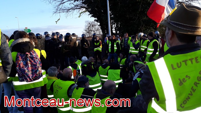 Journee action gilets jaunes Magny 02031966