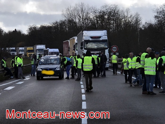Journee action gilets jaunes Magny 02031968
