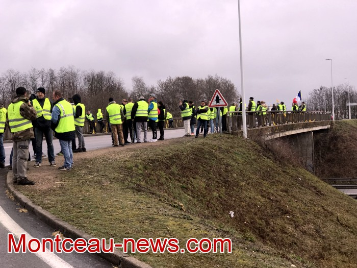 Journee action gilets jaunes Magny 0203197