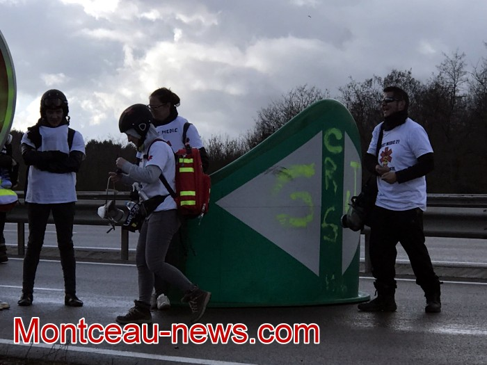 Journee action gilets jaunes Magny 02031973